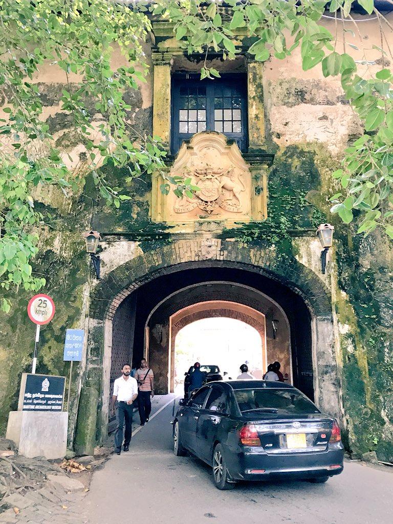 Old Gate dari sebelah luar https://t.co/hFAI4ymwj5