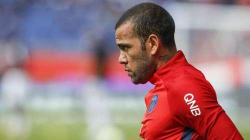 PSG : Dani Alves connaît maintenant un joueur de l'OM  https://t.co/fE...