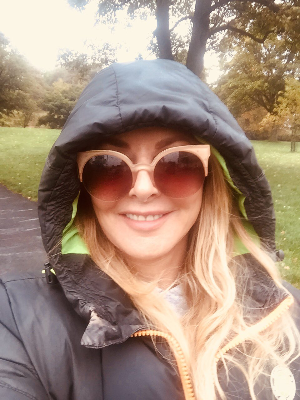 Tried tempting the sun out by wearing shades #BrizzleDrizzle x https://t.co/jH2AqBl3yY
