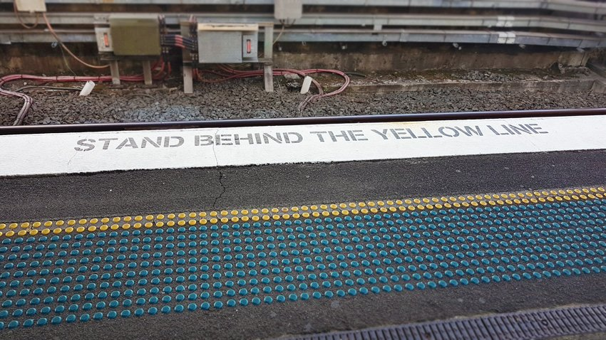 Bad Design #47– phew, I almost fell in  https:// goo.gl/3wn8Lf  &nbsp;   by CitizenRod #transport #design #safety #designthinking #trains #constraints<br>http://pic.twitter.com/M013Yg5W3j