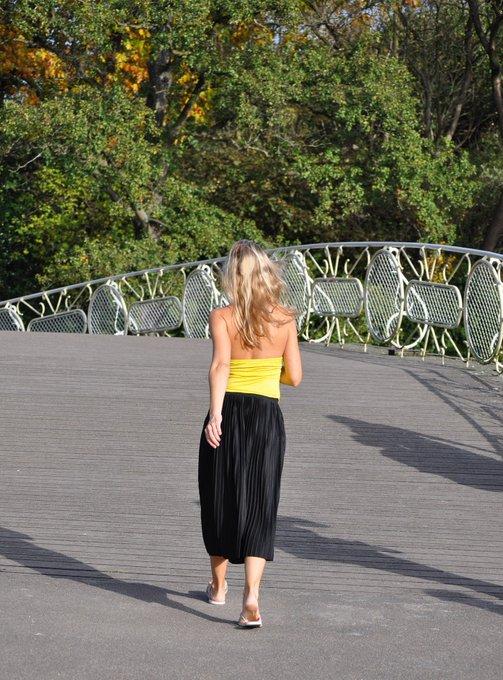 1 pic. dit was de laatste mooie zomerdag in nederland #summer #holland #barefeet #fashion #model #blijdorp