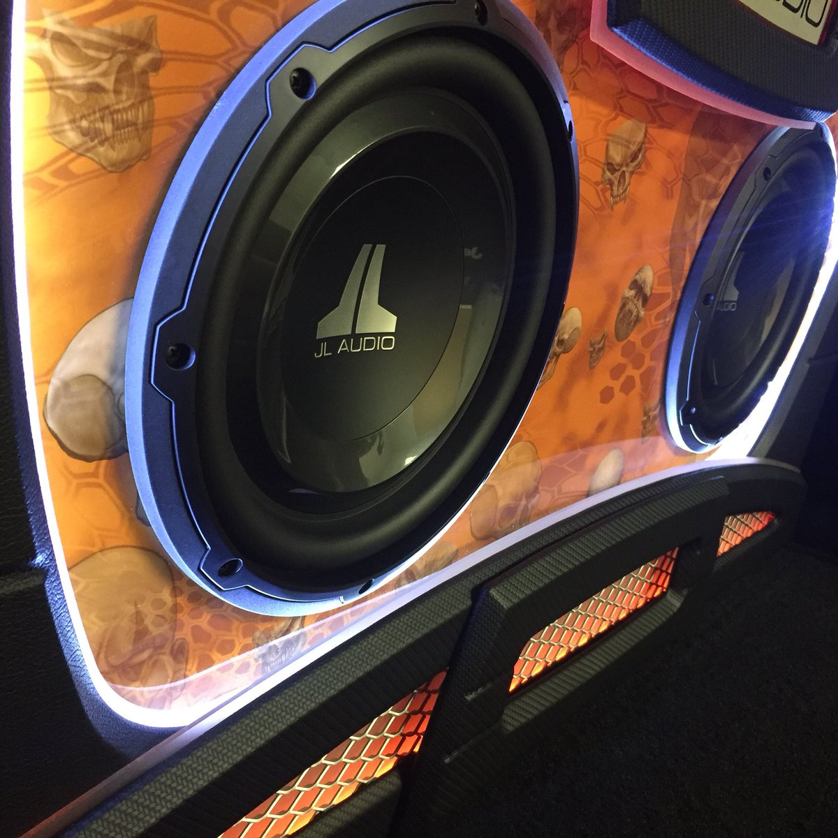 Eminent Hi Fi On Twitter Finished Up This Fun Project Themed Jeep Wrangler Jk Subwoofer Box Custom Enclosure And Jlaudio Sound System In A