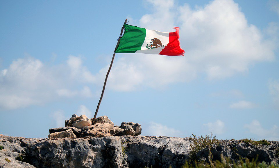 Mexico shows robust filing figures, as services overtake goods for first time: exclusive data analysis.  http:// ow.ly/fdhi30g41hz  &nbsp;   #IP #mexico <br>http://pic.twitter.com/vb0cF2Cjtb