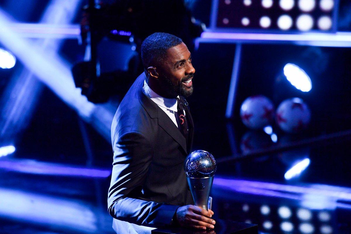 Idris Elba est en place, la cérémonie est partie ! Bonne chance à tous...