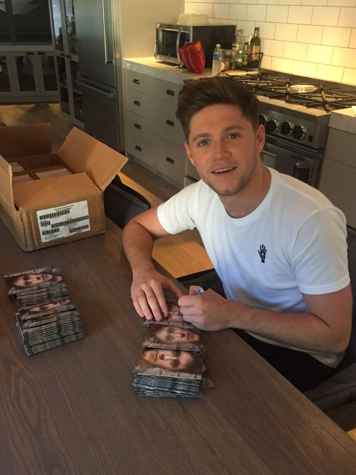 Signed some more #Flicker albums for ya ! Get them here https://t.co/fOogfV8zAI https://t.co/BYUGUhgYvu