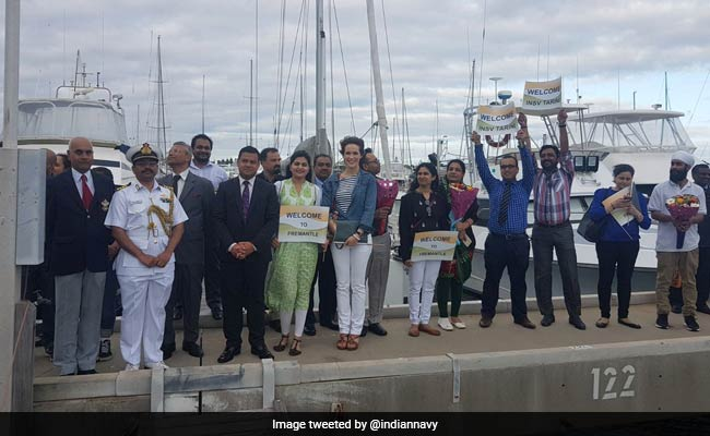 All women-crew sailboat of Indian Navy #INSVTarini reaches Australia https://t.co/464TBLkhc3