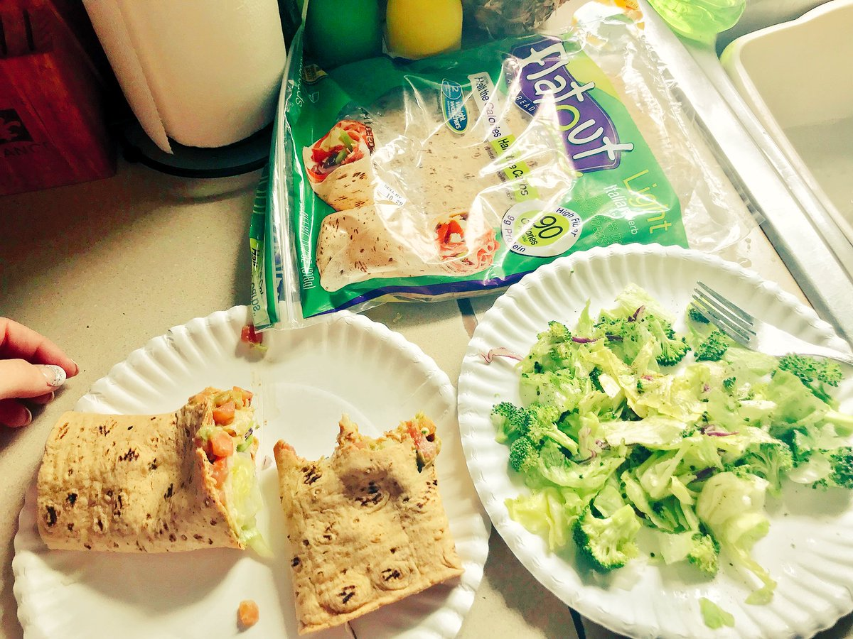 Had a yummy @WeightWatchers lunch today! @FlatoutBread wrap it has 9g protein..3 slices of low salt turkey, Avocado on wrap w/ a side Salad