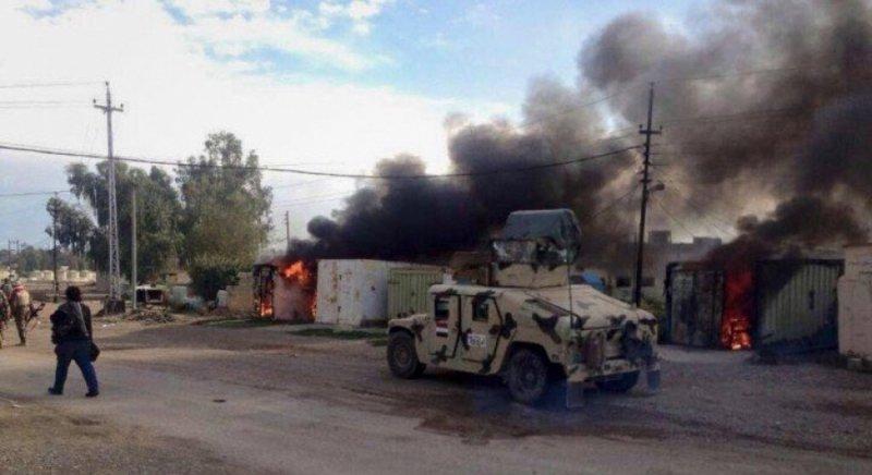 VIDEO: #Shiite Militias Loot the House of Police Officer in #Kirkuk - #BasNews  https://t.co/bnYbDVAVKk