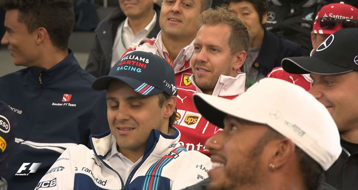 USA GP Drivers briefing 2017   Charlie: &quot;Guys, everybody may violate the tracklimits today, except Max, okay?&quot;   #F1 #verstappen #USAGP<br>http://pic.twitter.com/bMcjSebJ2N