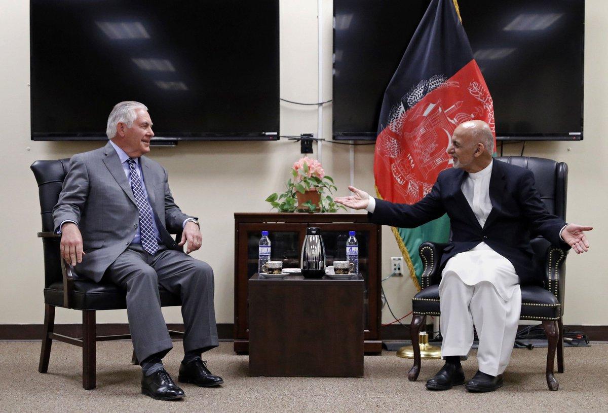 Ahead of #India tour, #RexTillerson  pays surprise visit to #Afghanistan  http://www. tribuneindia.com/news/nation/ah ead-of-india-tour-tillerson-pays-surprise-visit-to-afghanistan/485953.html &nbsp; …  @Smita_Sharma<br>http://pic.twitter.com/tj8PJBih9c
