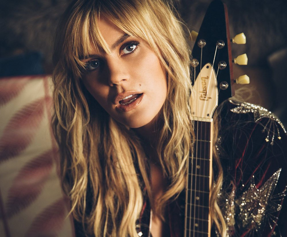 Watching this #YouTube Channel today   https:// goo.gl/pvEq2w  &nbsp;   by @gracepotter #singer #シンガー #guitarist #music #musician #gibson #ギター<br>http://pic.twitter.com/rxE239OosS