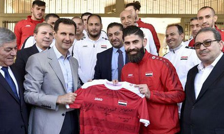 #Syria 's #Assad meets once dissident footballers in #Damascus https://t.co/XNgM2naIRw