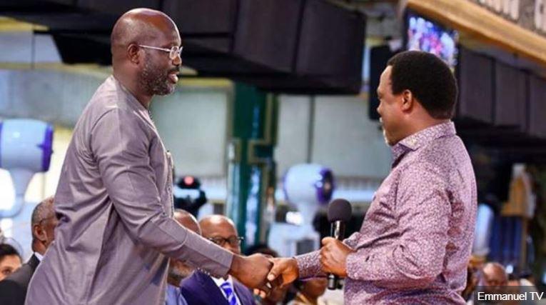 Liberia presidential hopeful George Weah attends TB Joshua church in Nigeria 🇱🇷 🇳🇬 https://t.co/50DqMp4IxZ