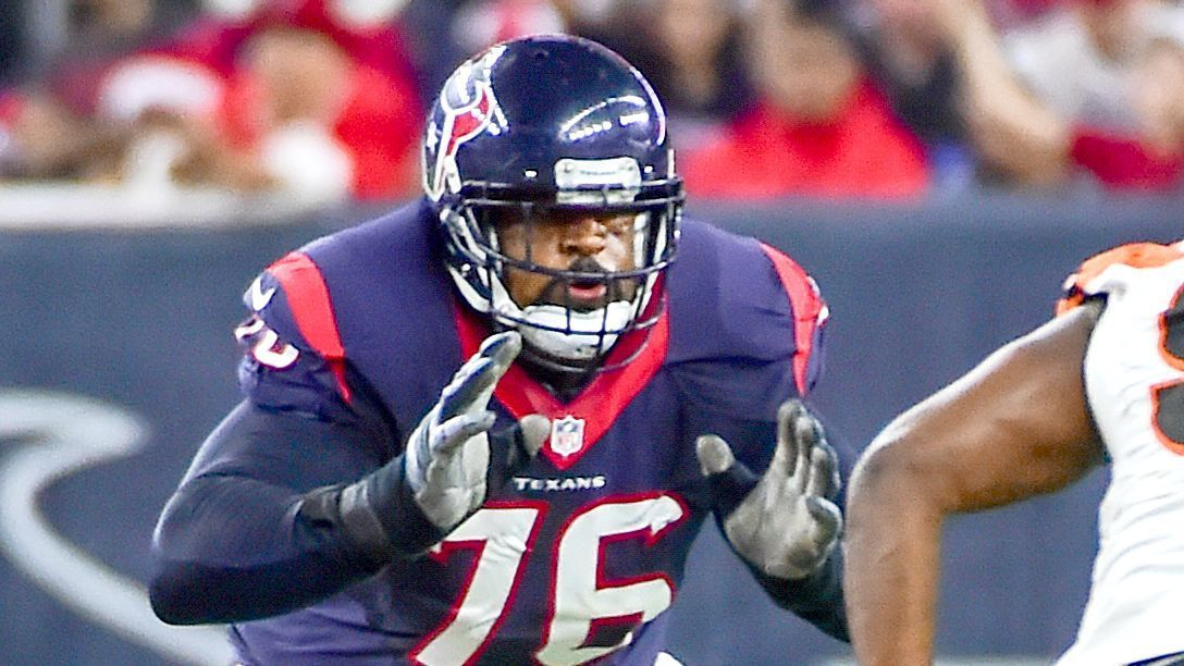 Texans left tackle Brown ends holdout, reports https://t.co/e3qP5nn3n1...