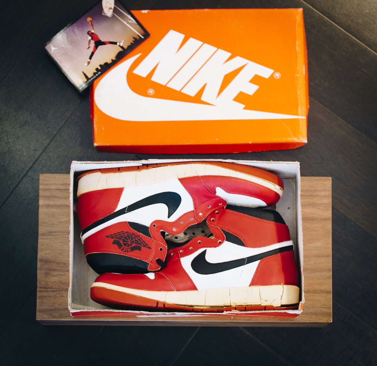 TROPHY ROOM On Twitter We Are Proud To Unveil Michael Jordan OG DS Sneakers Exclusive Memorabilia In New Trophy Case Layout TrophyRoomStore Jumpman23