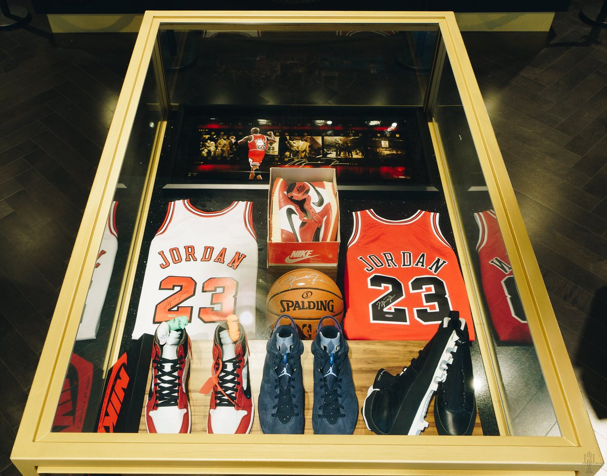 TROPHY ROOM On Twitter We Are Proud To Unveil Michael Jordan OG DS Sneakers Exclusive Memorabilia In New Trophy Case Layout TrophyRoomStore Jumpman23