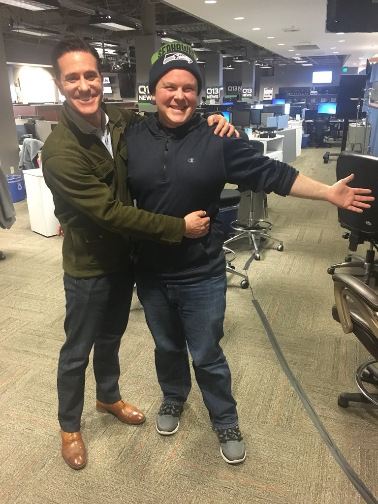 Welcome my friend  back to work. @benlnews been off last few months for cancer treatment.  His bravery & strength makes us proud! #Q13FOX