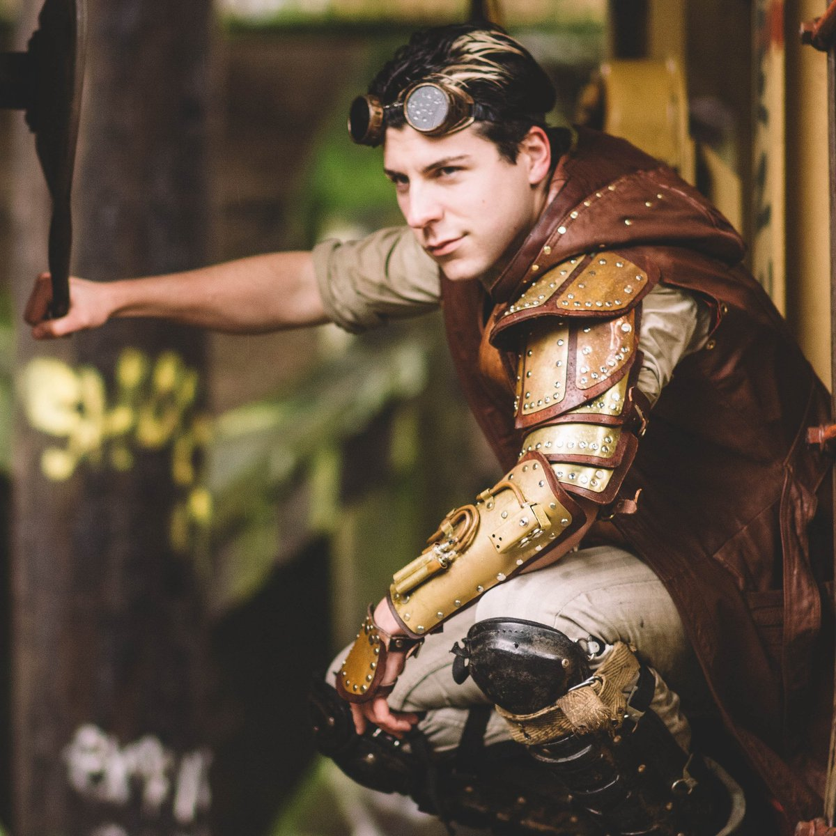 The amazing Ainsworth Photography hero Andy just retouched photos for my etsy! Go grab your signed 8x10 prints over at https://t.co/essRIqpOmR #cosplay #cosplayer #steampunk #armor #photography #Halloween #costume #costuming