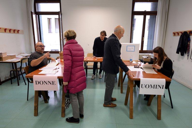 """(RTL.fr) Le référendum en #Italie signe """"la fin d\"""