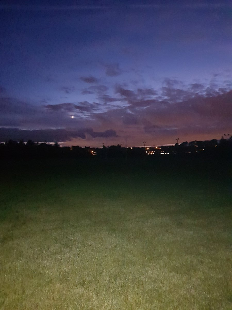 @THCu11s Beautiful night for coaching the boys down at Crusader Park.  #MondayMotivation #JuniorRugby #RugbyLeague<br>http://pic.twitter.com/NOn7KItjBa