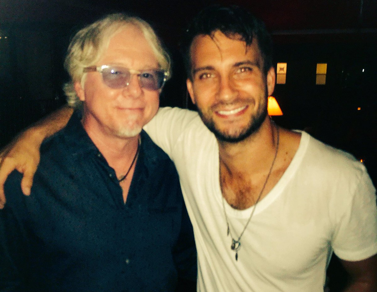 Love 90s rock? Then you can imagine how pumped I was to meet Mike Mills from R.E.M. last night, backstage at the @dariusrucker show in Charleston!  @remband #90s #ThatsDefinitelyMeInTheCorner #Charleston <br>http://pic.twitter.com/rsLeR6h1q7