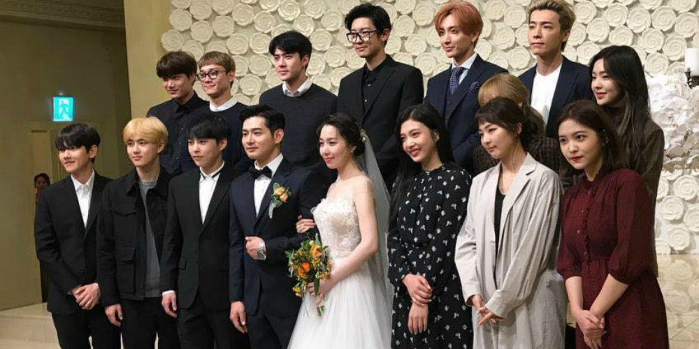 EXO, Red Velvet, Super Junior, and more attend the wedding of SM vocal trainer Jang Jin Young https://t.co/HpGEtRg7Ir