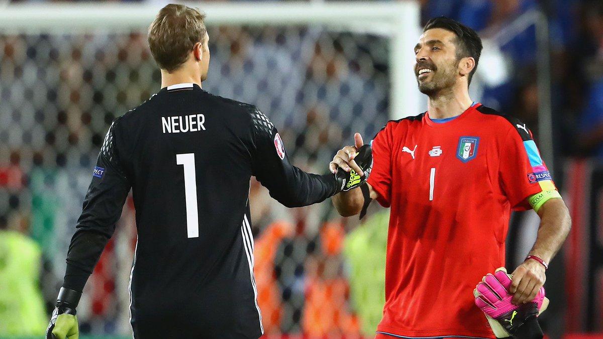 Welttorhüter-Wahl - @Manuel_Neuer muss sich Gianluigi #Buffon geschlag...