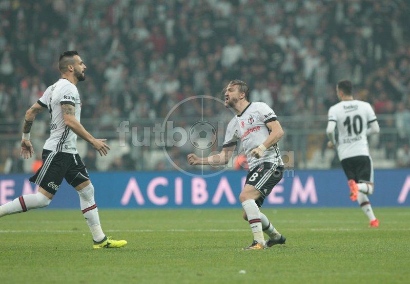Tosic'in golü sonrası Caner Erkin. https://t.co/YcgpKxUOzg