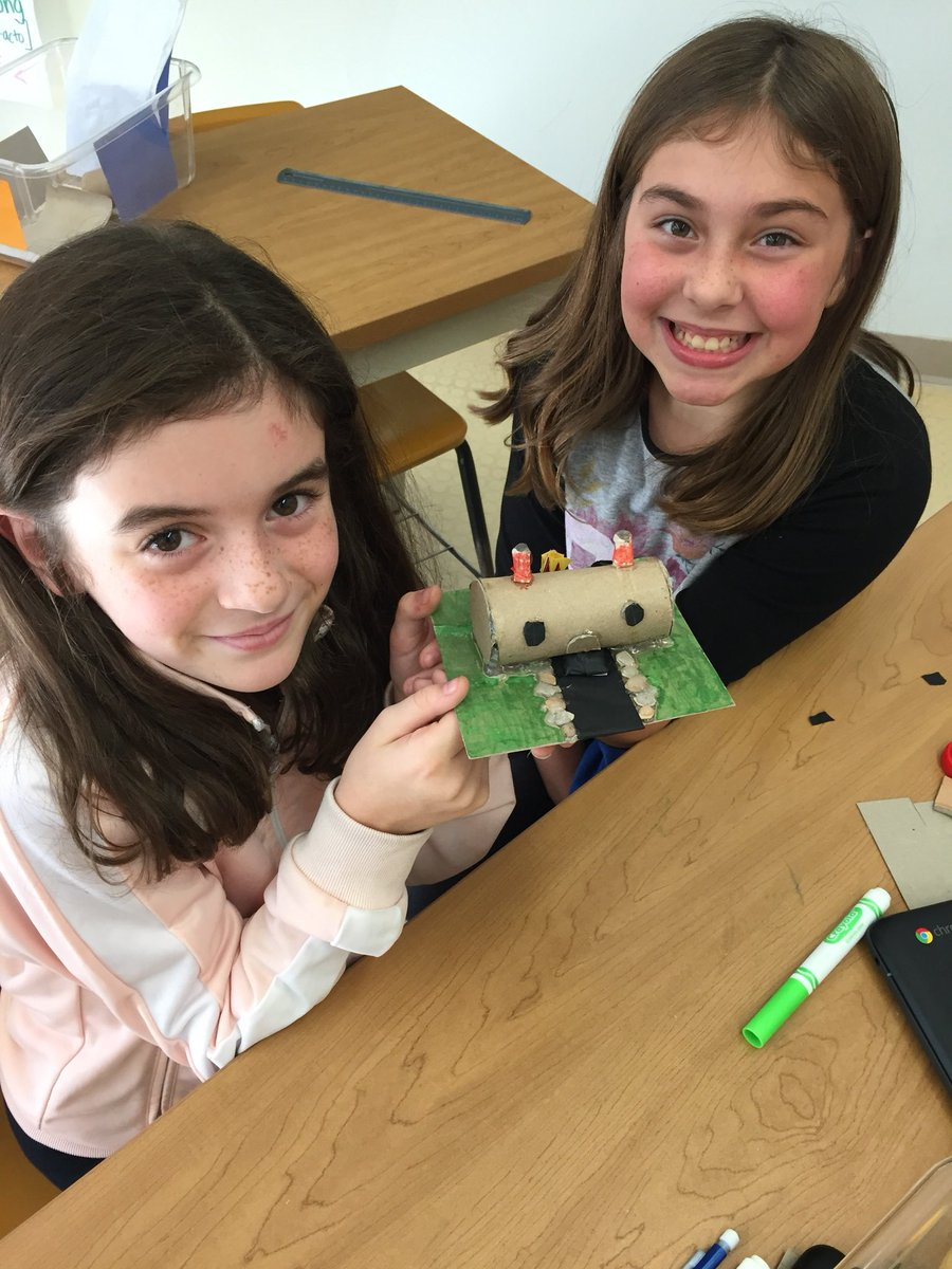 these girls know that construction technology always starts with a foundation! #technology #stemEd #design #make #stem<br>http://pic.twitter.com/BH1CJfta7B