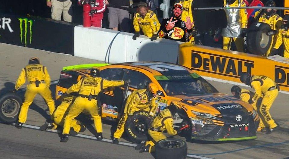 Such a damn shame. Truex was even trying to warn them. #NASCAR #Kansas<br>http://pic.twitter.com/dRPpQv11Jb