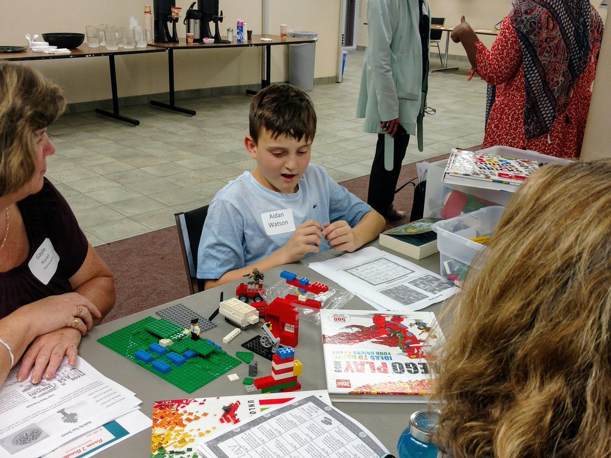 This young man did an awesome presentation on how to use Lego as a mindfulness activity #fun #focus Turns out adults enjoy it too  <br>http://pic.twitter.com/vkAC6QsS69