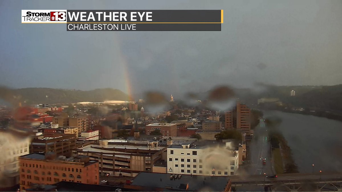 Somewhere over the rainbow....maybe a pot of gold. Why not for a Monday we can only wish. @WOWK13News #wvwx #Charleston <br>http://pic.twitter.com/Qaio9XneO4
