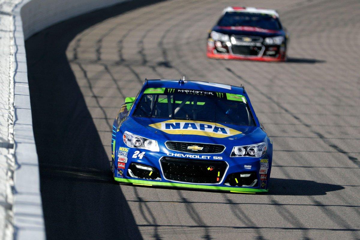 .@chaseelliott flies under the radar to fourth place finish at @kansasspeedway --&gt;  https:// motorsportstribune.com/on-the-playoff -radar-after-kansas-chase-elliott/ &nbsp; …  #NASCAR via @MotorsportRev<br>http://pic.twitter.com/OelJ9dKA3T