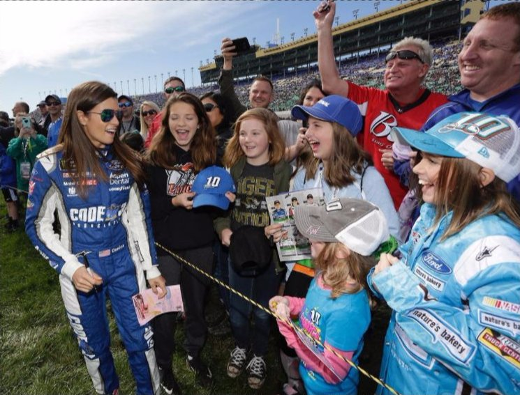 These young girls probably wouldn&#39;t be #NASCAR fans if it wasn&#39;t for Danica Patrick. She&#39;s done A LOT for the sport, more then most think.  <br>http://pic.twitter.com/UNYKEmUiur