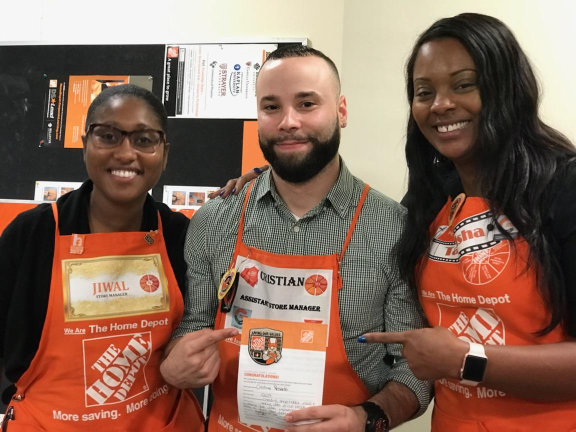 Thank You Tanisha and Jiwal for constantly pushing me to be better!!! #GreatStartToTheWeek #HappyMonday @Miss_T_Holland @BelloMobello<br>http://pic.twitter.com/mVQNhs53B7
