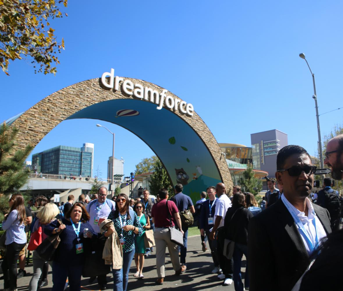 5 Life Hacks to Get You through Dreamforce  http:// okt.to/Gpw9LO  &nbsp;   #clouderp #erp #rootstock #salesforce #dreamforce<br>http://pic.twitter.com/QOLMKqna2W