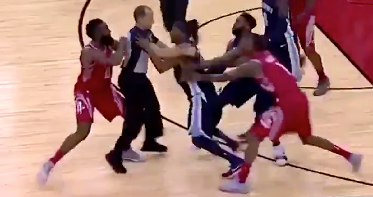 f4dcbf34811a VIDEO  James Harden squares up with Mario Chalmers 😳