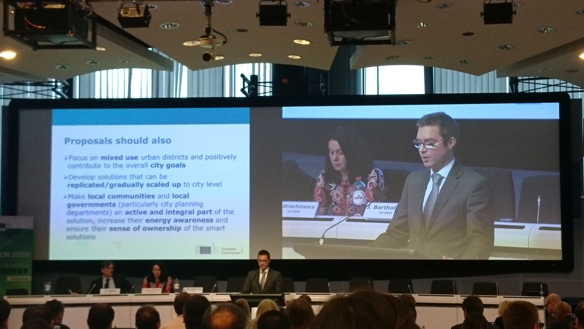 2018 Smart Cities &amp; Communities call presented at #H2020Energy info day in Brussels @JensBartho @Energy4Europe #SmartCities #H2020 <br>http://pic.twitter.com/cxT6jO5ofL