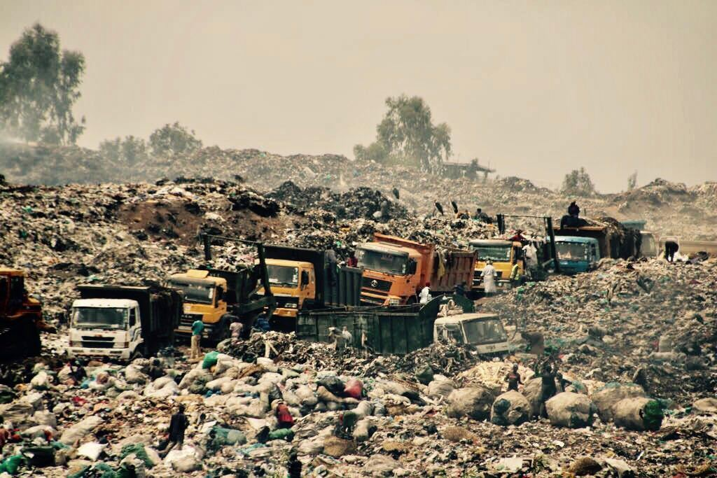 #pollution is silent killer in developing countries and a threat to run survival mankind#Kenya #SouthAfrica #Uganda #India #China #Japan <br>http://pic.twitter.com/xRr31lkCPI