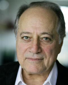 On set wishes go out to Saul  Shooting for a Fundraising Film #TeamDB @SaulReichlin @TraceyDeeBoss<br>http://pic.twitter.com/Iw8rw9xLdy