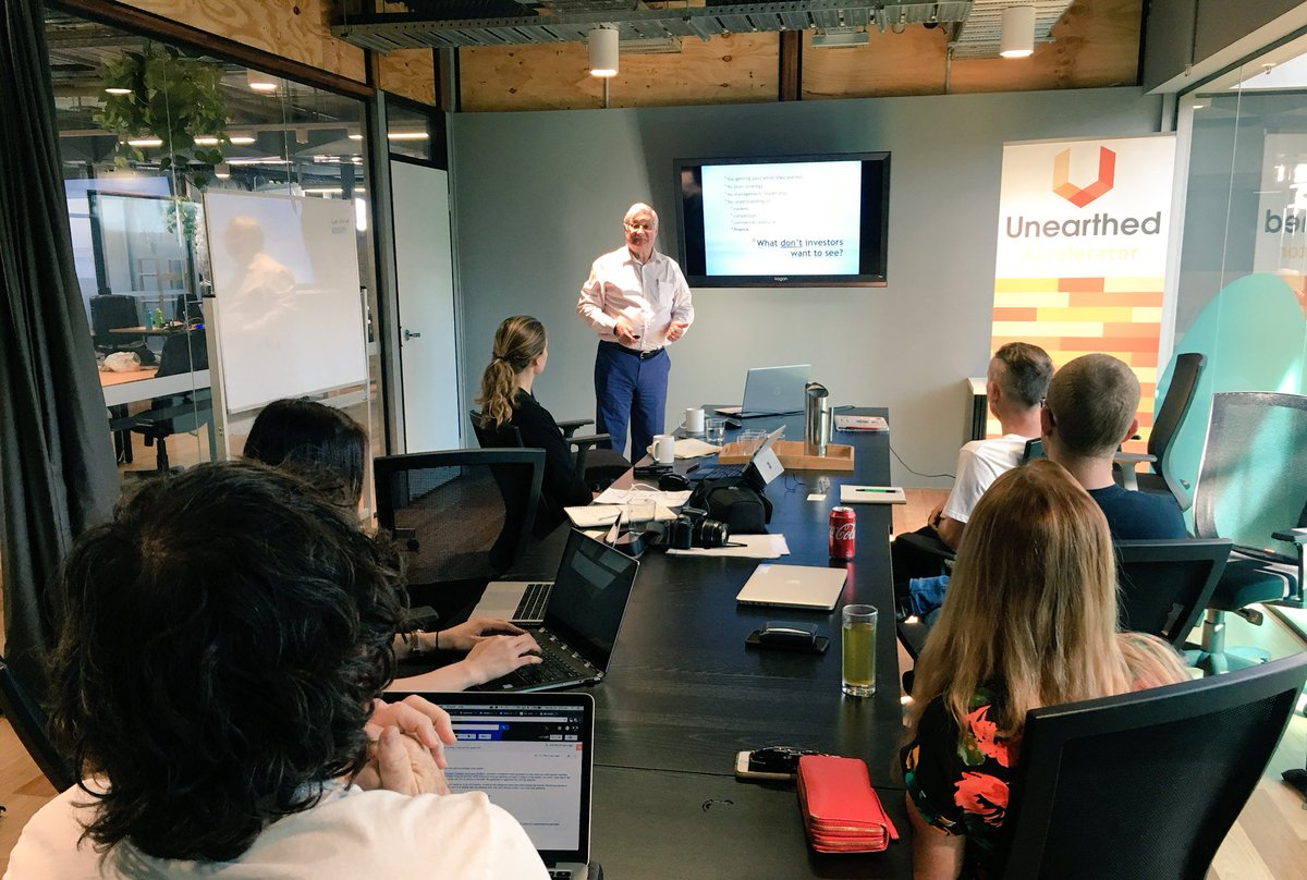 Thank you to Pachira Capital MD Mike Avey for talking #funding, #VC &amp; #investment readiness with @Unearthed_S #Accelerator #startups<br>http://pic.twitter.com/nBMBT6r2dP