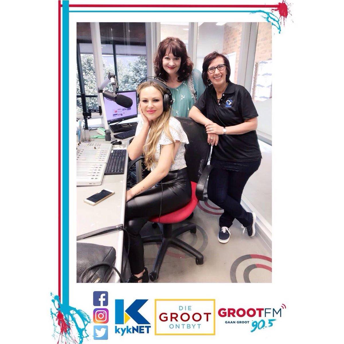 @KarlienVanJ is NOU in @GrootFM se studio saam met @RivaDJ vir @HannaCharity #Studiothon.  Hou op hanna-hanna... sms Hanna na 49905