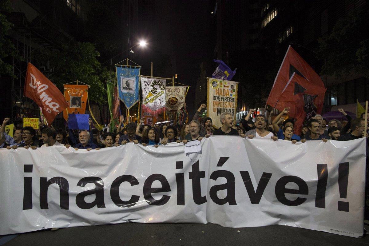 Artistas se reúnem contra Temer, Aécio, Gilmar e Crivella no Rio. https://t.co/lpIMU7nnER