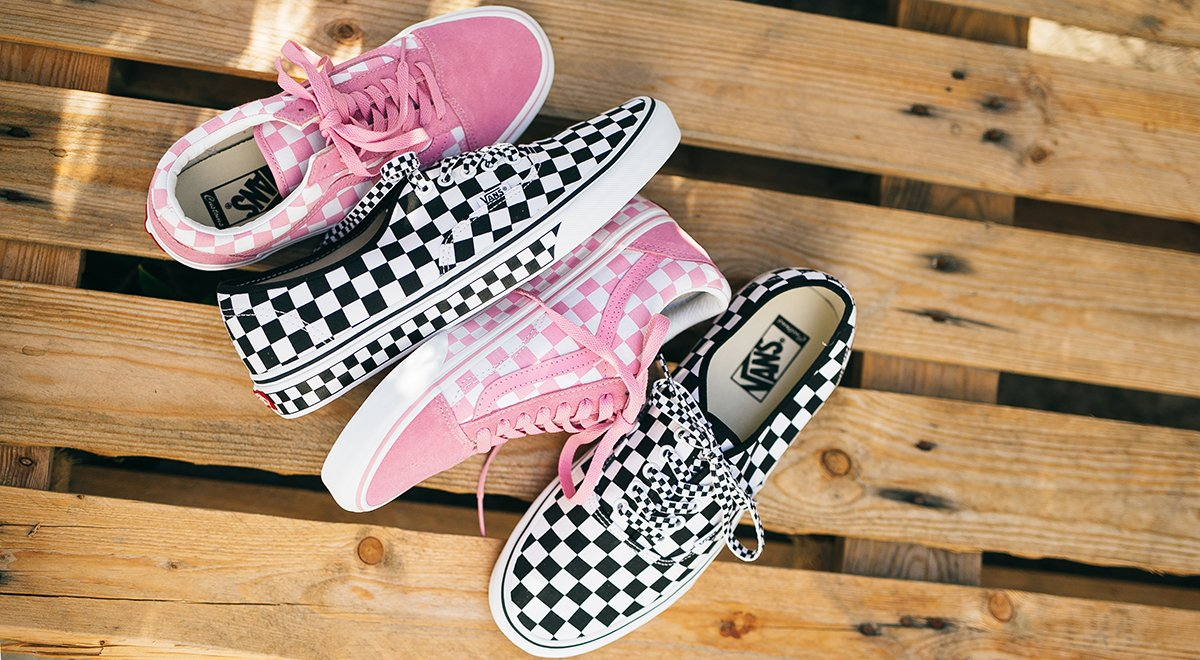 ebfc58c51e Checked out. Design your own perfect pair at http   vans.com customs  pic.twitter.com dSbjzUElaQ