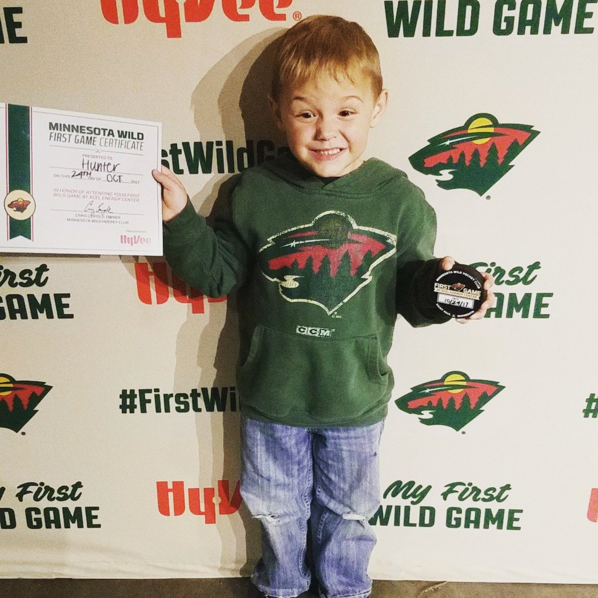 Twitter - 1st hockey game #mnwild #livefearlessmn https://t.co/95BNxKm9rw