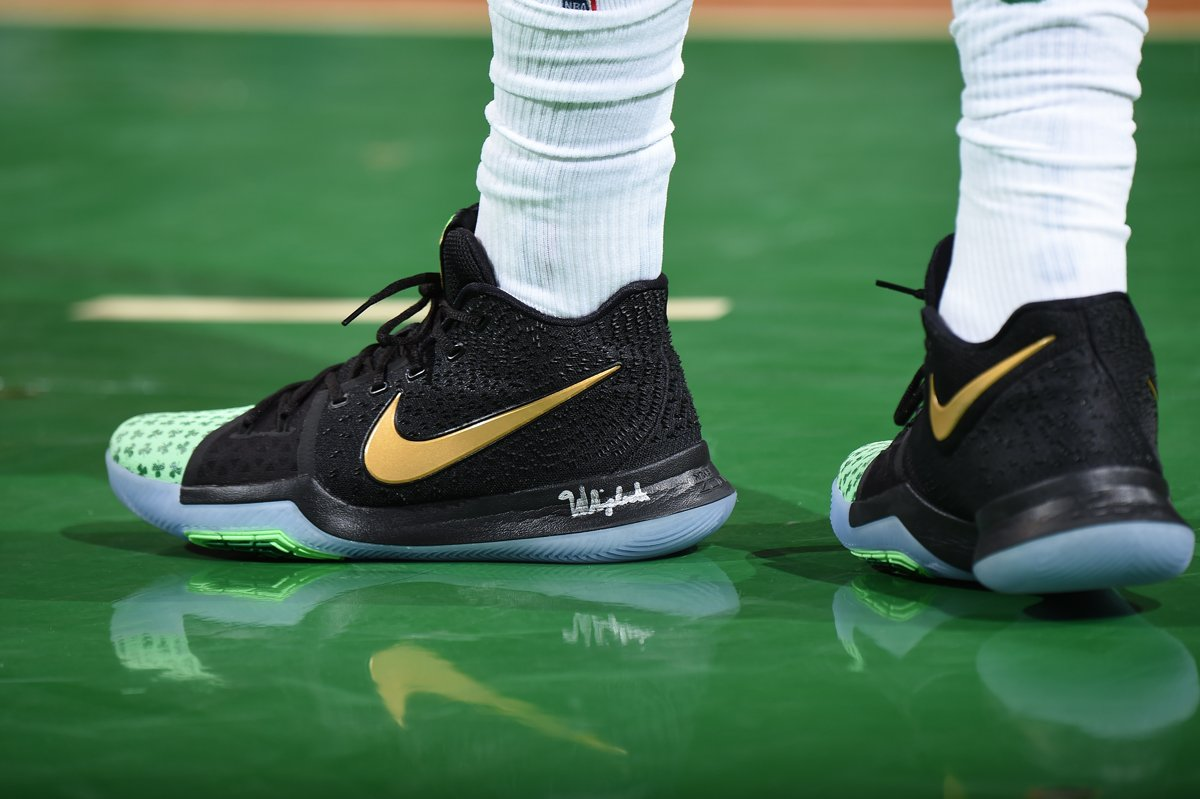 15f6fb4b235e solewatch kyrieirving back in his shamrock nike kyrie 3 pes tonight