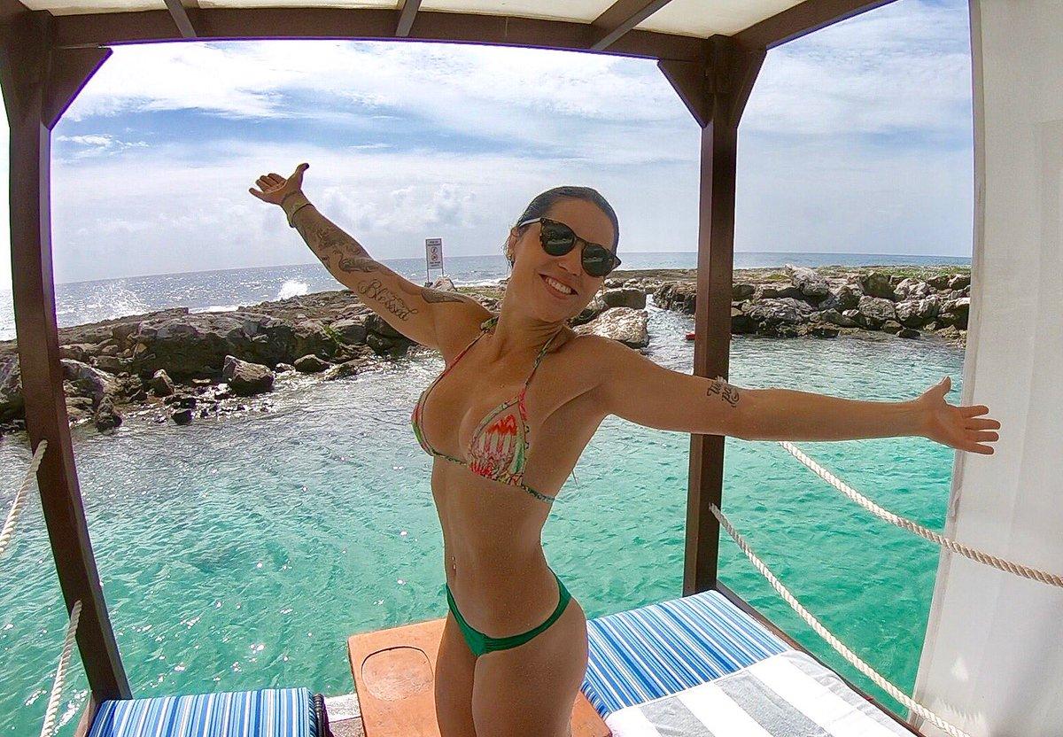 Bikini Leticia Bufoni nudes (43 images), Tits