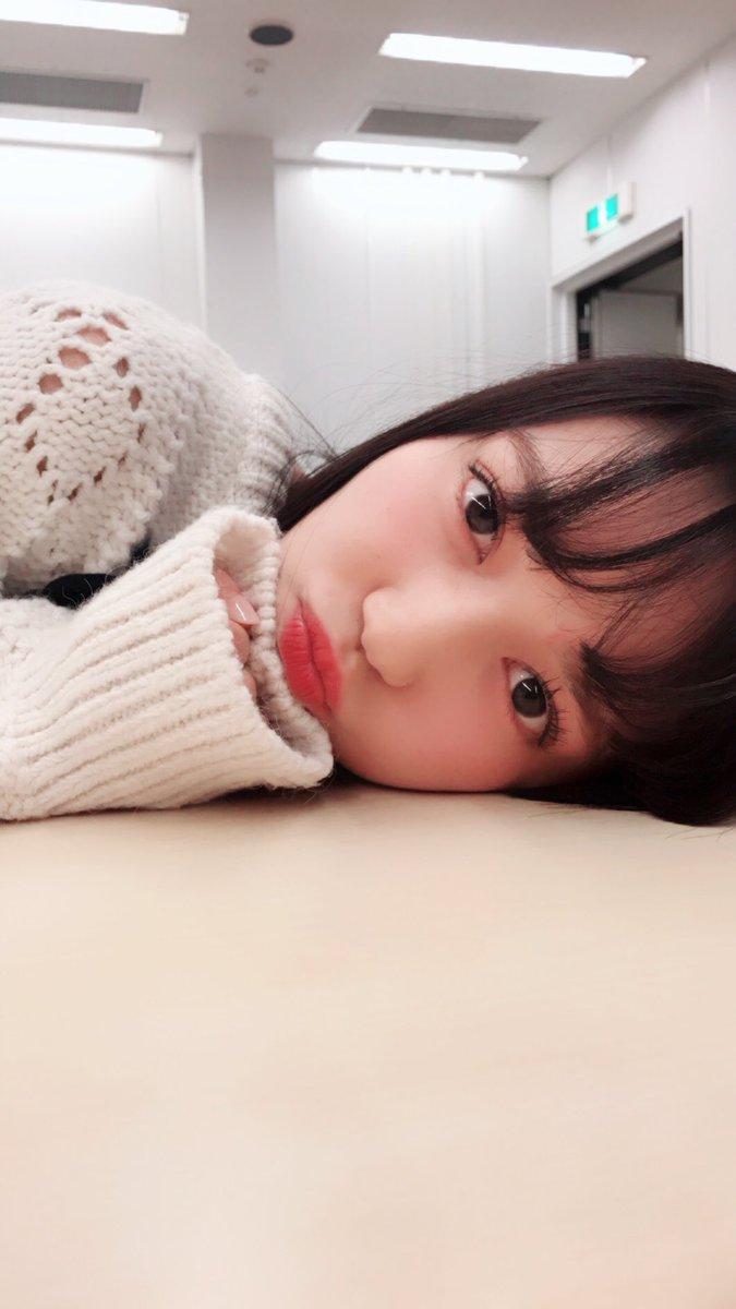 初🎉  みりみりカメラマンが 撮ってくれました⭐️  テーマ  #彼女とお昼寝なう   らしいです。…