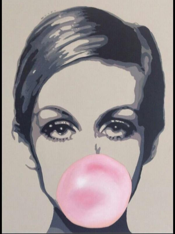 LONDON POP ART Cool piece by Sarah Sutton @sarasutton1  https://www. almost-there.co.uk/unknown-pleasu res-oct &nbsp; …  #popart #Twiggy #AlmostThere <br>http://pic.twitter.com/kF6A76M1Qq