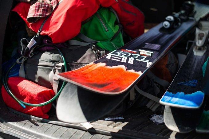 ¿Creías que conocías todas las marcas de esquís? Aquí os presentamos una nueva joya @libtechski [MATERIAL] ➡️https://t.co/r3cWE3NiNO